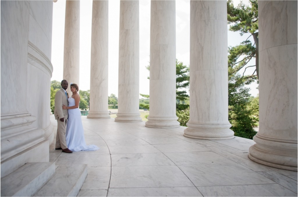 Photographer DC Wedding Jefferson Memorial